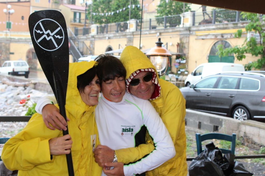 Sup-news-riccardo-rossi-paddling-for-the-aisla-12