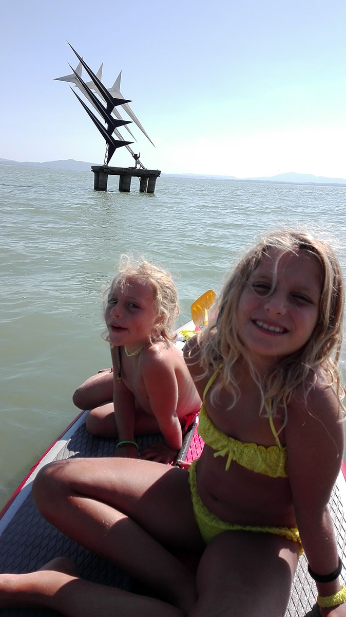 Monumento sul lago