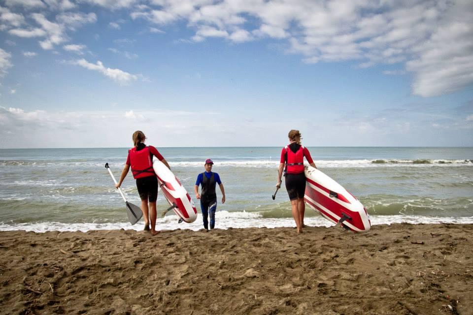 Gestione gruppo bambini in mare con onde fino a 50 cm